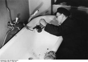 Bundesarchiv, Bild 183-2005-0712-524 / CC-BY-SA